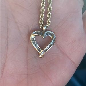 10K Yellow Gold / Diamond Heart Necklace Pendant